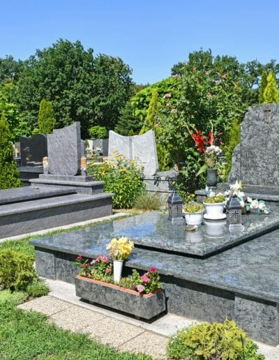 image-multiple-monument-funeraire